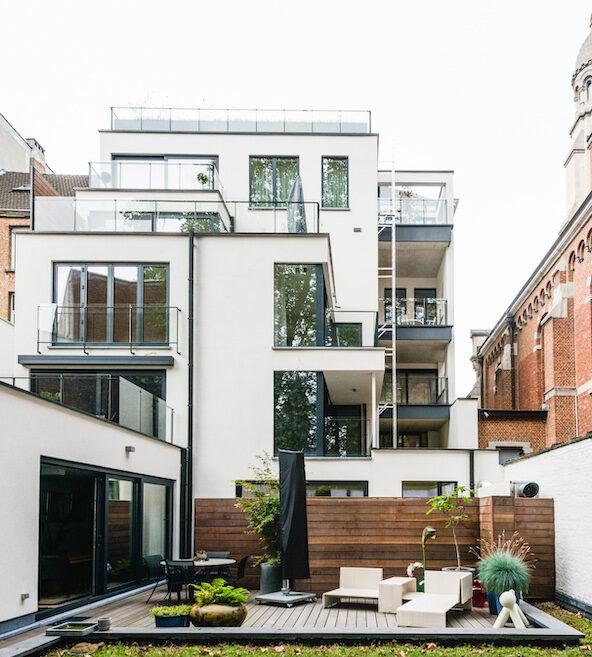 PINE - Woningen waar u zich thuis voelt. Sterk design, duurzame materialen, kwaliteitsvolle leefomgeving.